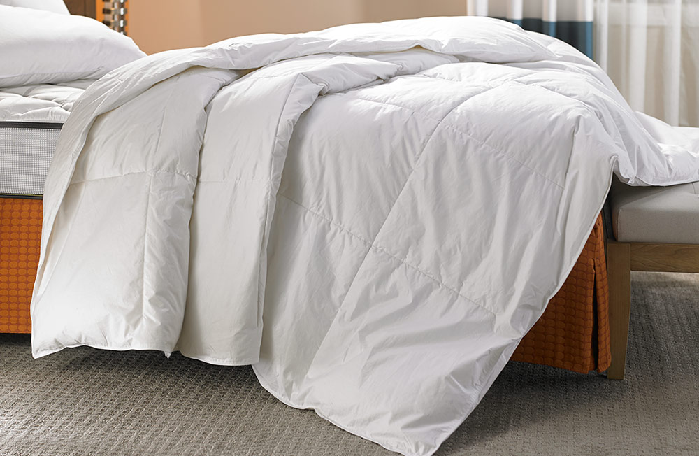 down duvet comforter fairfield hotel store. Black Bedroom Furniture Sets. Home Design Ideas